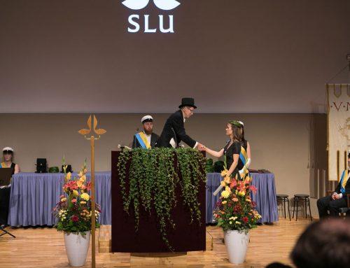 Lina fick diplom och krans